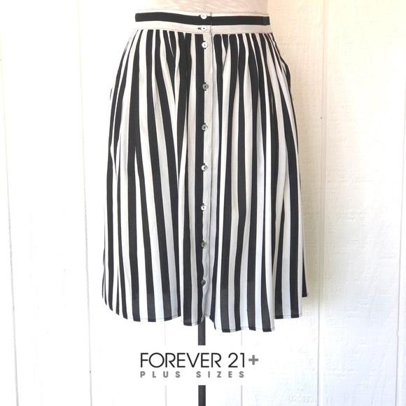 ccdd336d8c2fa6 Forever 21 Dresses & Skirts - Forever 21 Black and White Stripe Midi Skirt
